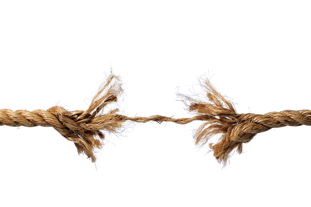 Imagem de uma corda arrebentando