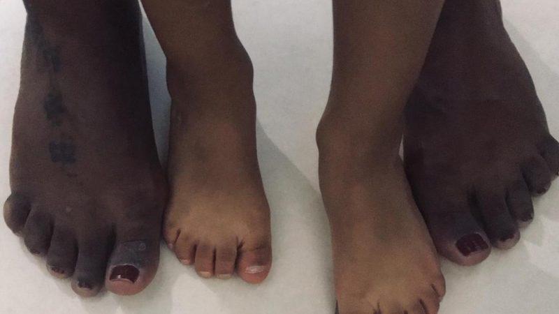 """""""Tô de olho"""" nos seus pés"""