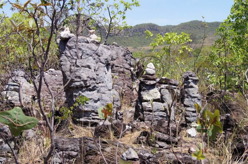 As pedras do meu caminho, texto de Juliana Ribeiro
